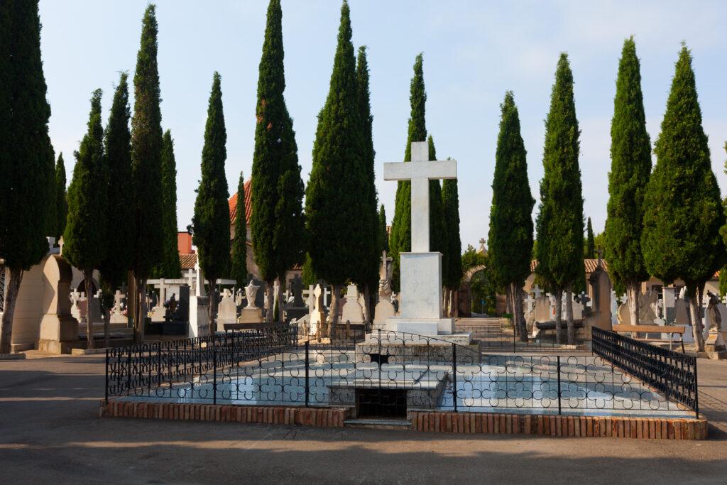 cmentarz i groby
